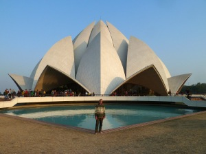 s2013-01-09-Jonatan-lotustemple1
